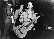 Woody_Guthrie_2_Photo_By_Lester_Balog_____Courtesy_of_Woody_Guthrie_Publications