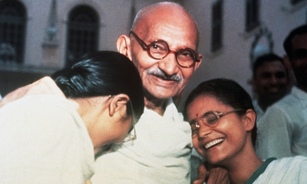 Mahatma Ghandi with his granddaughters Ava and Manu in New Delhi, 1947. (Photo: Bettmann/Corbis)