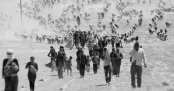 Minority Yazidis flee Daesh forces near the Syrian border (Photo: Reuters/Rodi Said)